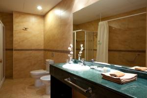 Un baño de Senator Cádiz Spa Hotel