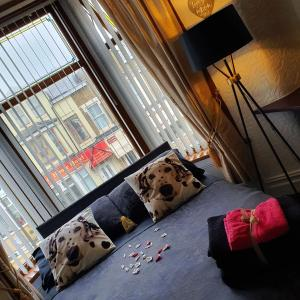 A seating area at Golden Sands Hotel - St Chad's Road