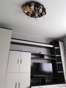 Кухня или мини-кухня в 1-комнатная квартира на Нижней Дуброве