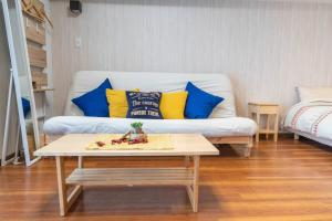 A seating area at Cookie House M