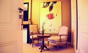 Een zitgedeelte bij Maison Indochine