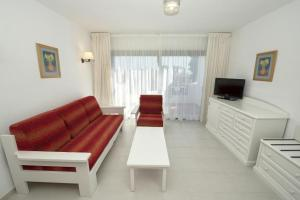 A seating area at Relaxia Olivina