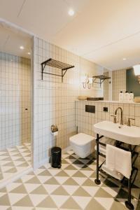 Salle de bains dans l'établissement Hotel BOAT & CO