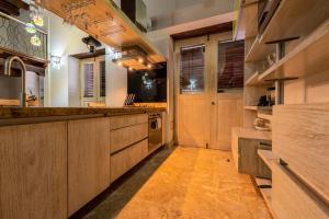A kitchen or kitchenette at Apartamento Virrey