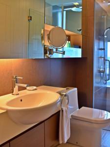 A bathroom at Somerset Kuala Lumpur