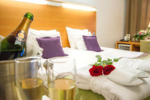 Juomia majoituspaikassa Hotel Anttolanhovi