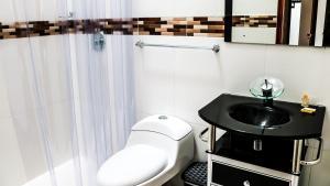 Salle de bains dans l'établissement Hospederia Villa de los Sáenz