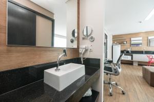 A bathroom at RMD906 Maravilhoso flat na praia de Boa Viagem