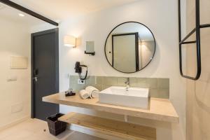 A bathroom at MarSenses Hotels Paradise Club & Spa