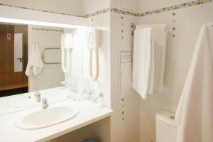 A bathroom at Vodnik Club