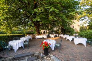 A restaurant or other place to eat at Chateau de Codignat - Relais & Châteaux