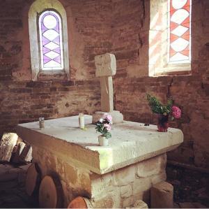 A bathroom at Chambres d'hôtes Les Templiers