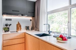 A kitchen or kitchenette at Hmlet Cantonment (SG Clean)