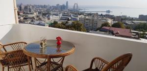 Uma varanda ou terraço em Baku Sea View Hotel