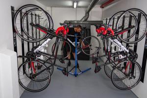 Катание на велосипеде по территории Hotel Marte или окрестностям