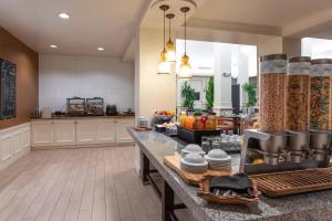 A restaurant or other place to eat at Hilton Garden Inn Orlando at SeaWorld
