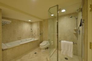 A bathroom at The Sherwood Taipei