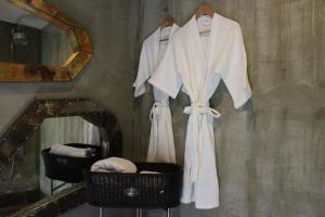 A bathroom at Villa Thapae