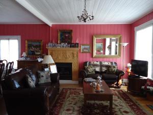 A seating area at Maison Hovington