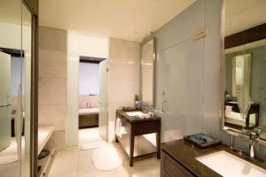 A bathroom at The Anvaya Beach Resort Bali