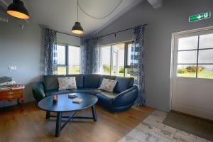 A seating area at Loa's Nest