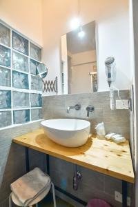 A bathroom at La Terrazza sul Centro