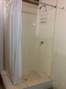 A bathroom at Casa de Leeuw