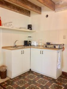 A kitchen or kitchenette at Casa de Leeuw