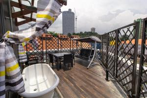 A balcony or terrace at Q Loft Hotel1929@Chinatown (SG Clean, Staycation Approved)