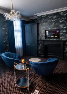 Ein Sitzbereich in der Unterkunft Lock and Key Boutique Hotel - Duke Street