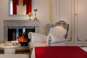 A seating area at Hotel Ginori Al Duomo