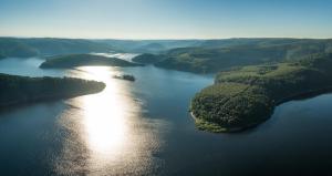 Een luchtfoto van Ferienhaus Blick auf Dedenborn