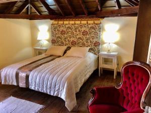 A bed or beds in a room at Hotel Rural Vilaflor