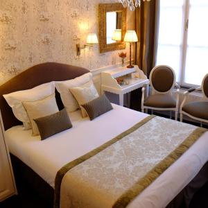 A bed or beds in a room at The Pand Hotel - Small Luxury Hotels of the World