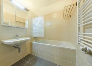 A bathroom at Residence Port Karolina