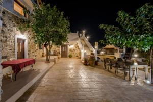 A restaurant or other place to eat at Fairytale Elafonisi