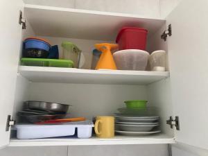 A kitchen or kitchenette at Apto. n. 208 no Cond. Cumaru