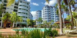 The swimming pool at or close to Rimbun Suites & Residences