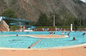 Het zwembad bij of vlak bij Camping Le Colporteur