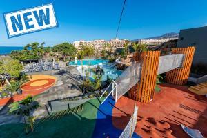 Vista de la piscina de Adrián Hoteles Roca Nivaria o alrededores