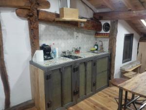 A kitchen or kitchenette at La plazuela verde