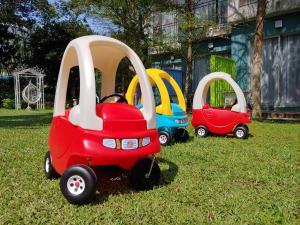 Ein Kinderspielbereich in der Unterkunft Silvermine Beach Resort