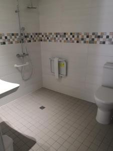 A bathroom at La Petite Ecole