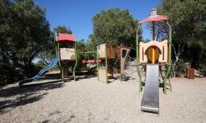 De kinderspeelruimte van Résidence Salina Bay