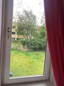 A view of the garden at Modern fully refurbished city centre 2 bed apartment or nearby