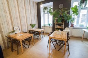Reštaurácia alebo iné gastronomické zariadenie v ubytovaní Hostel Cinnamon