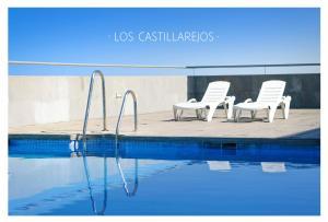 Бассейн в Los Castillarejos Apartamentos Rurales или поблизости