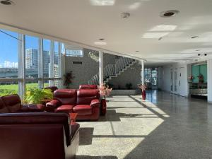 The lobby or reception area at International Inn on the Bay