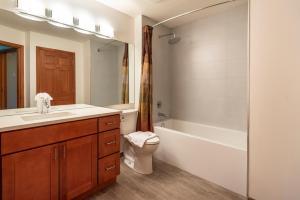 A bathroom at Northstar at Stoney Creek by Whiski Jack