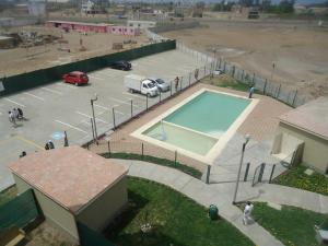 A view of the pool at Los Parques de San Gabriel or nearby